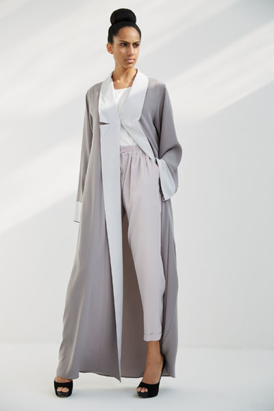Arabesque bi-color coat style abaya with contrasting collar and cuffs.